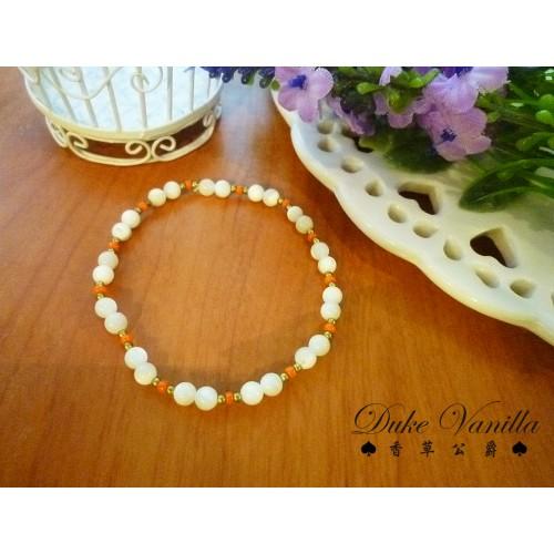 白貝殼小金珠相間手環-橘